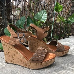 American Eagle outfitters Wedge sandals. Size 8
